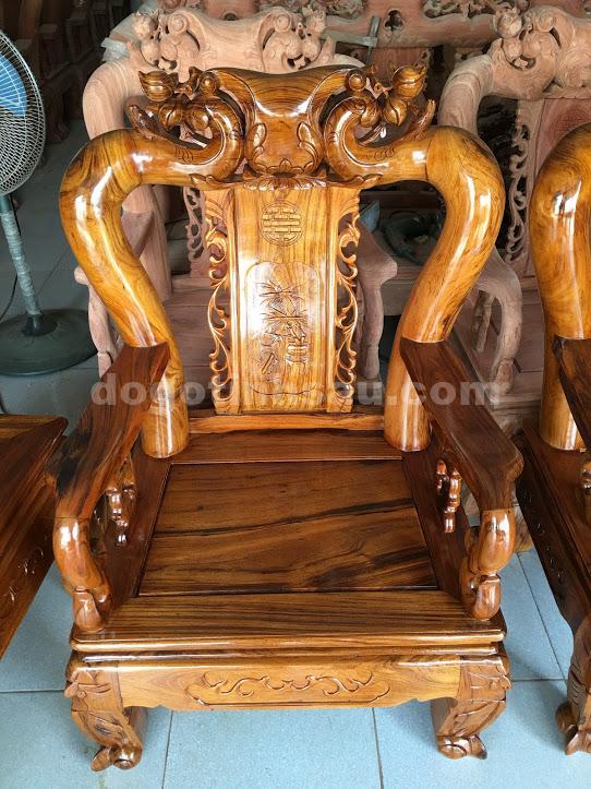 IMG 0826 - Bộ bàn ghế phòng khách gỗ gụ ta tay 12 vách rời