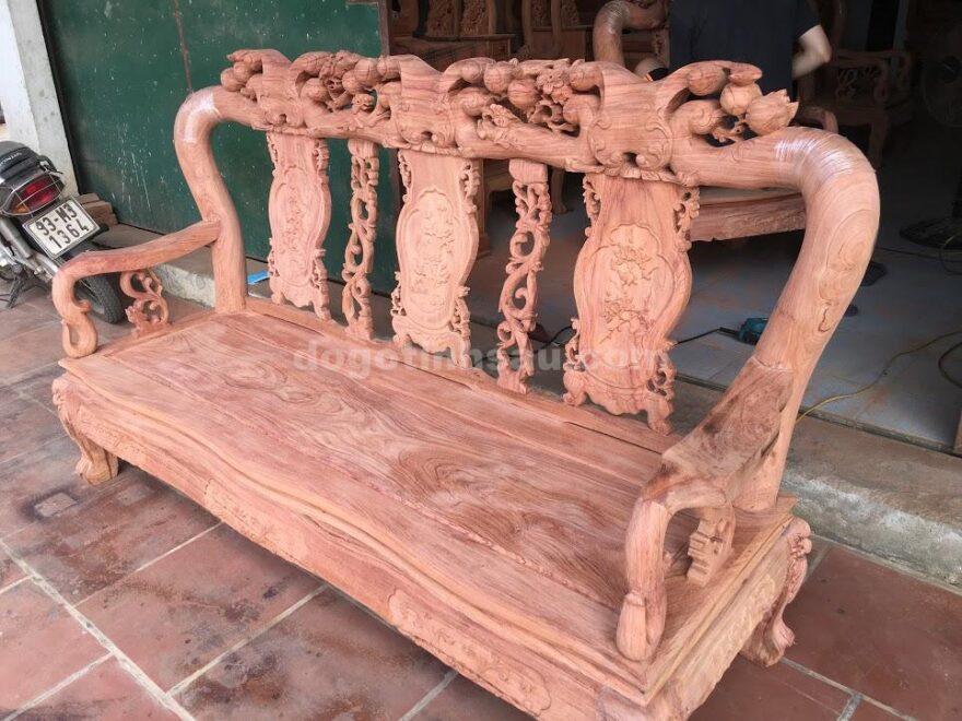 IMG 3496 880x660 - Bộ bàn ghế phòng khách tay 10 gỗ hương đá vách liền
