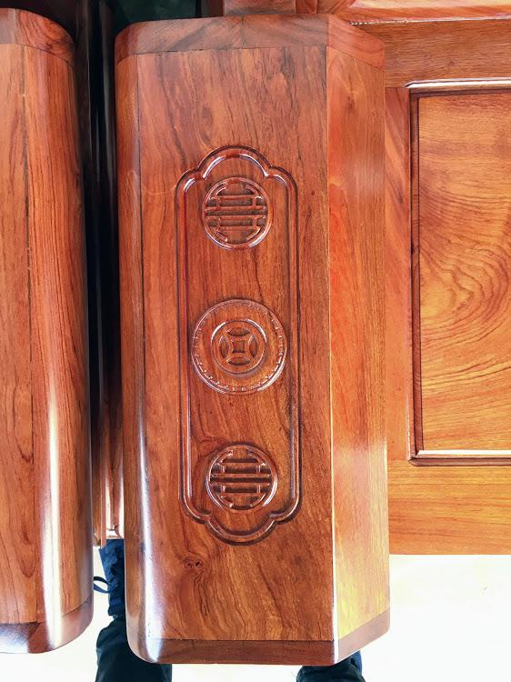 IMG 4452 - Bộ bàn ghế hộp âu á gỗ hương đá