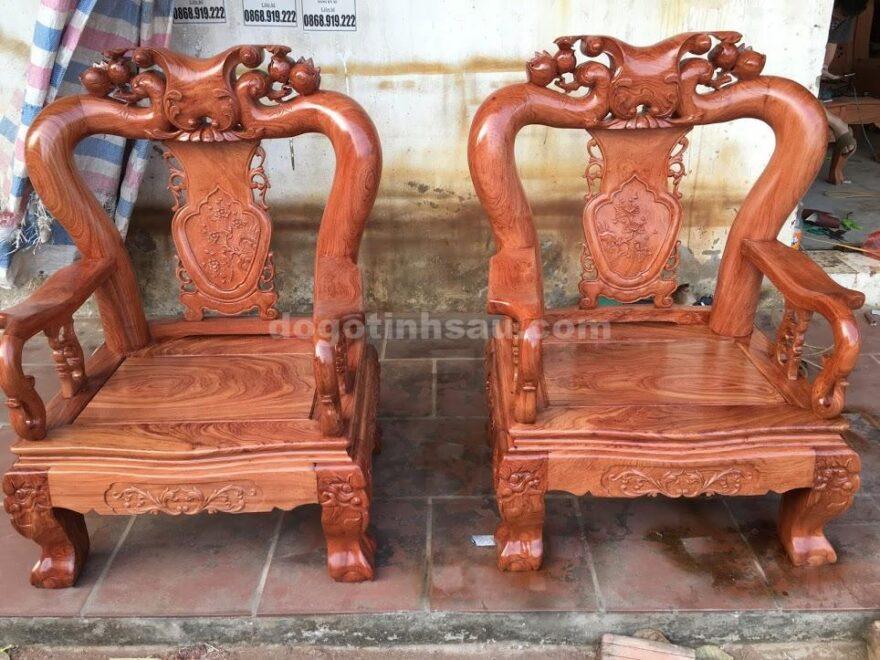 IMG 3809 1 880x660 - Bộ bàn ghế hương đá tay 12 vân đẹp