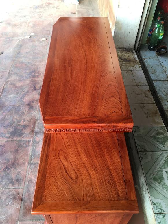 IMG 4075 1 - Kệ tivi vát gỗ hương đá dài 1m8