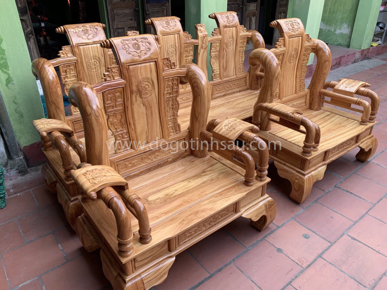 ghe tan 2 - Bộ bàn ghế Tần Thủy Hoàng tay 12 gỗ gõ đỏ