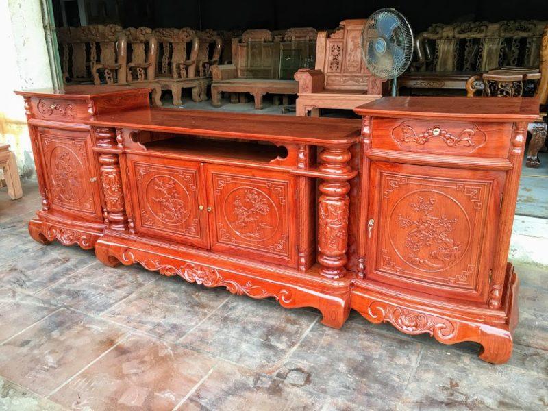IMG 4317 800x600 - Kệ tivi cột nho gỗ hương đá dài 2m4 (cánh cong)