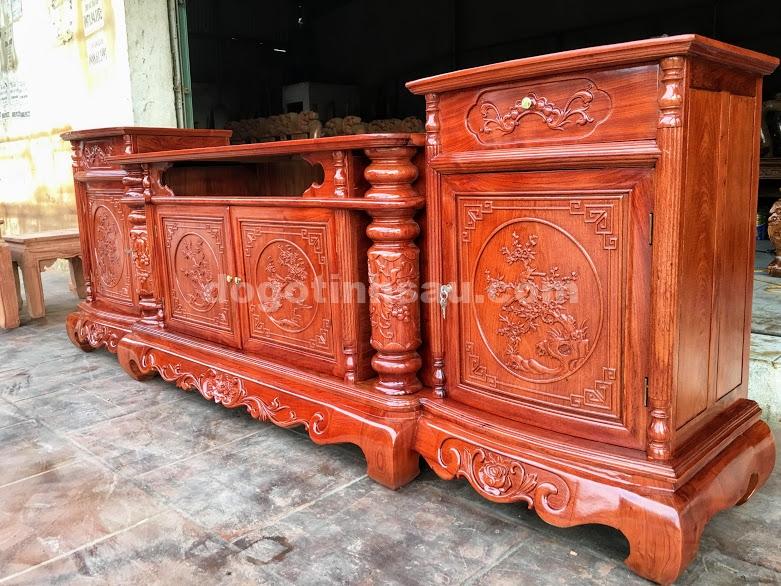 IMG 4320 - Kệ tivi cột nho gỗ hương đá dài 2m4 (cánh cong)