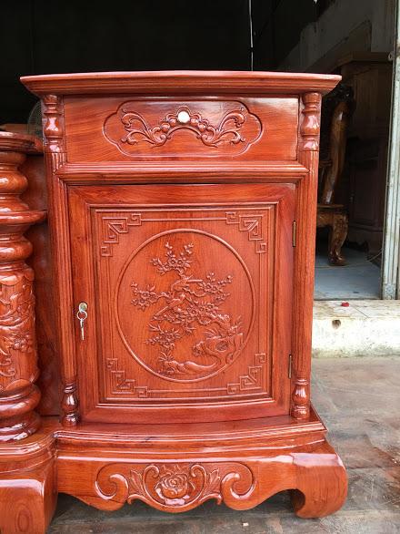 IMG 4321 - Kệ tivi cột nho gỗ hương đá dài 2m4 (cánh cong)