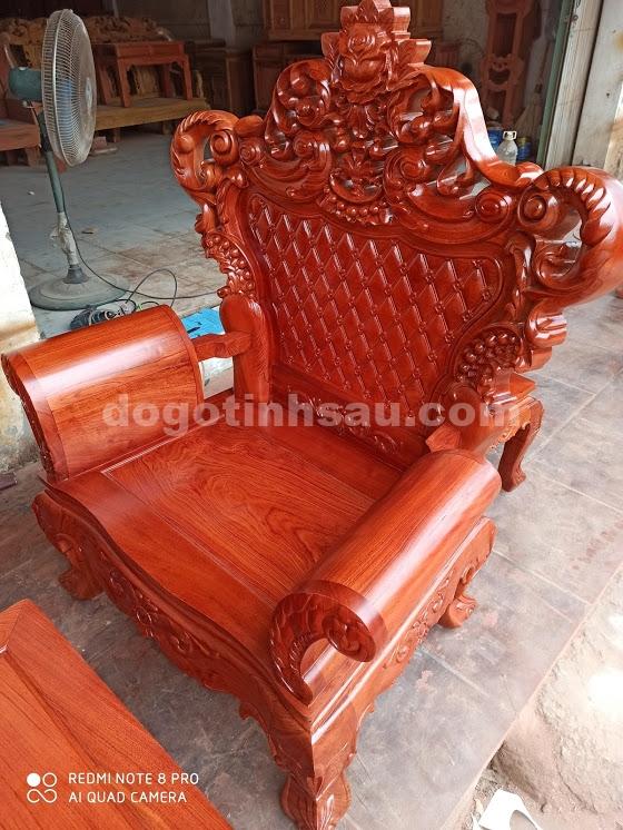 IMG 4428 - Bộ bàn ghế Hoàng Gia gỗ hương đá