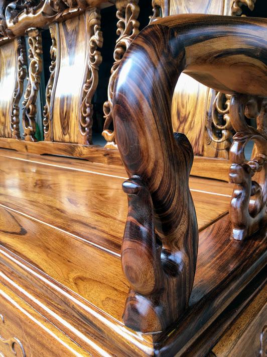 IMG 4700 - Bộ bàn ghế gỗ gụ ta Quảng Bình 6 món tay 12 vân VIP