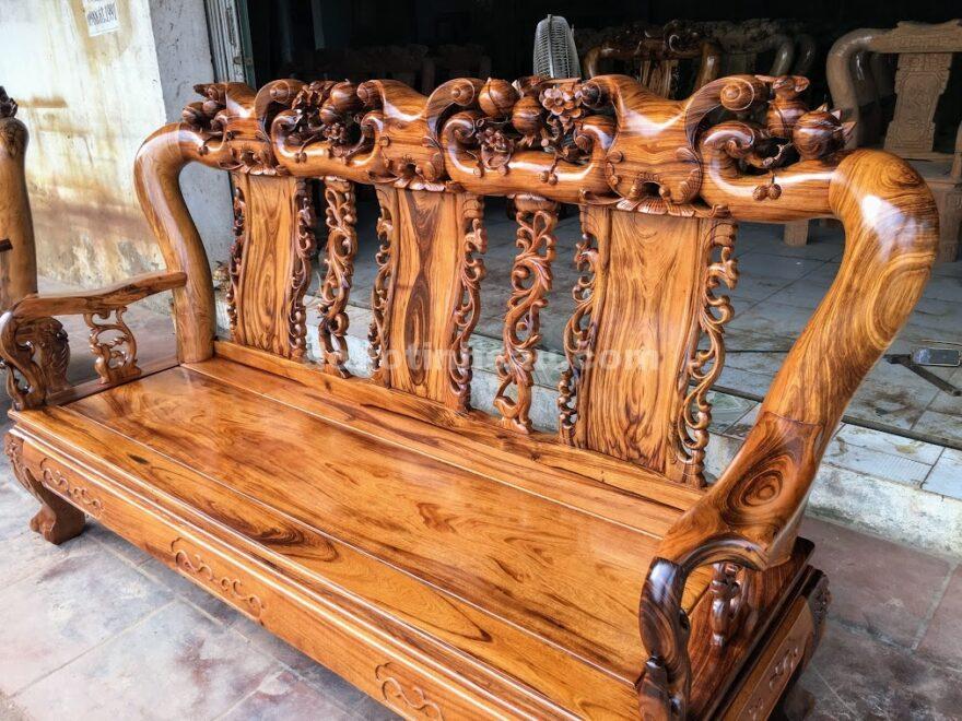IMG 4701 880x660 - Bộ bàn ghế gỗ gụ ta Quảng Bình 6 món tay 12 vân VIP