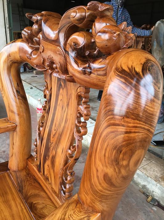 IMG 4723 - Bộ bàn ghế gỗ gụ ta Quảng Bình 6 món tay 12 vân VIP