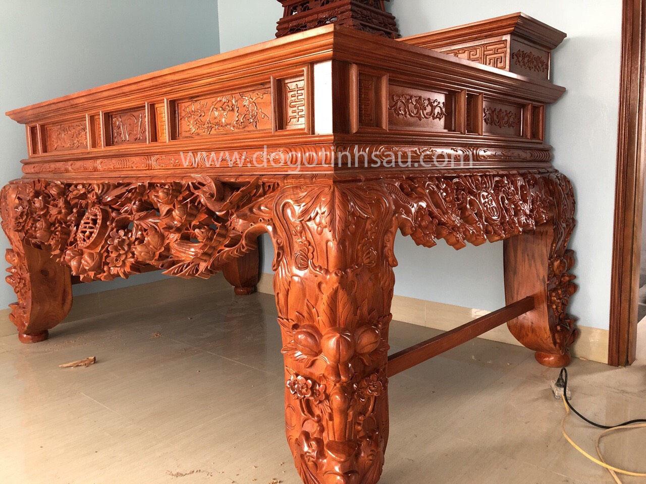 sap tho go huong da 1 - Sập thờ gỗ hương đá chân 22 chạm Mai Điểu