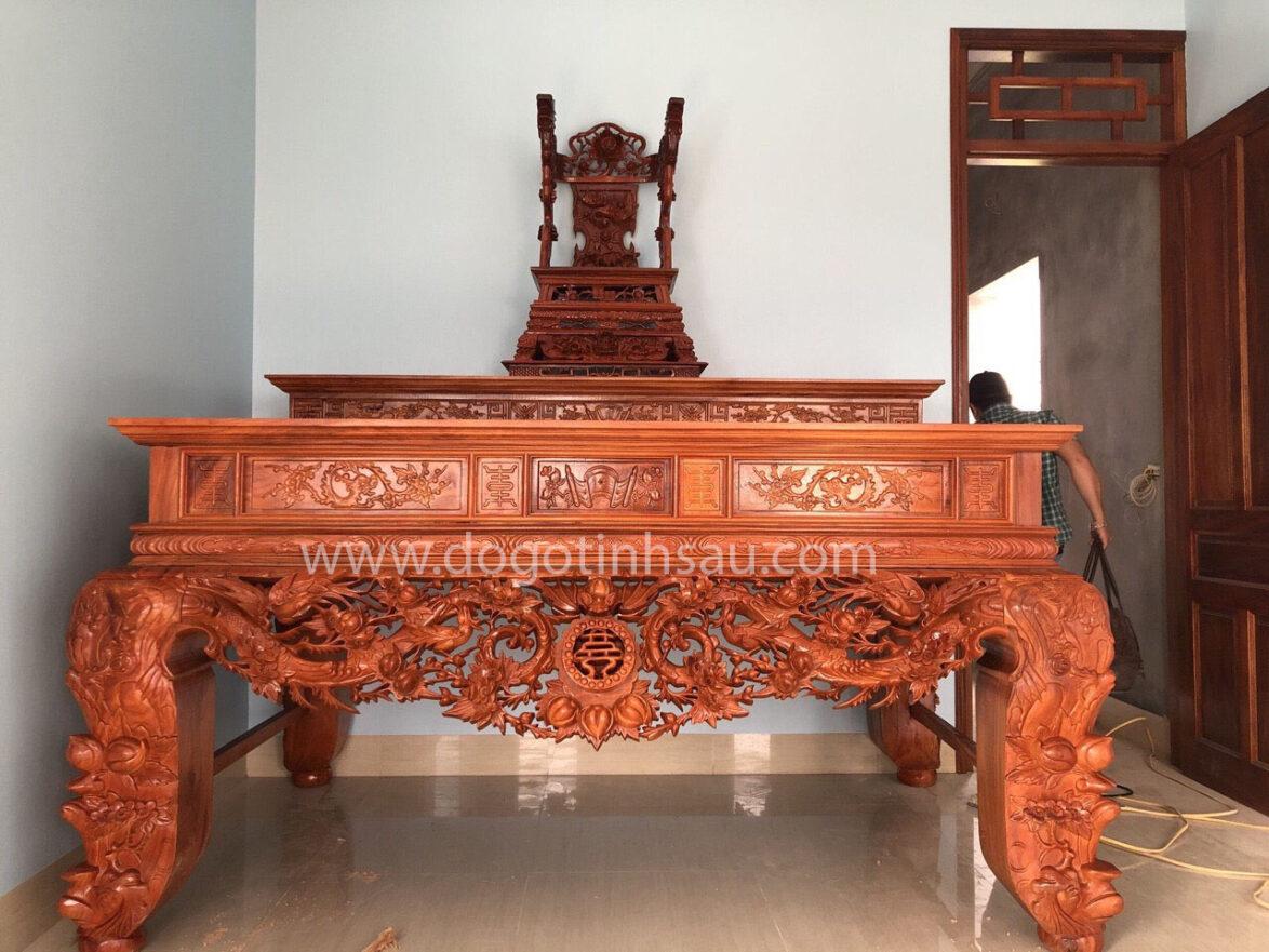 sap tho go huong da chan 22 1174x881 - Sập thờ gỗ hương đá chân 22 chạm Mai Điểu