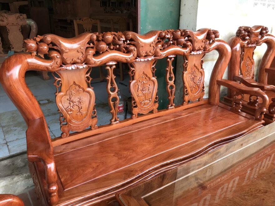 e3066fa46aef97b1cefe 880x660 - Bộ bàn ghế Minh Quốc đào tay 12 gỗ hương đá siêu đẹp