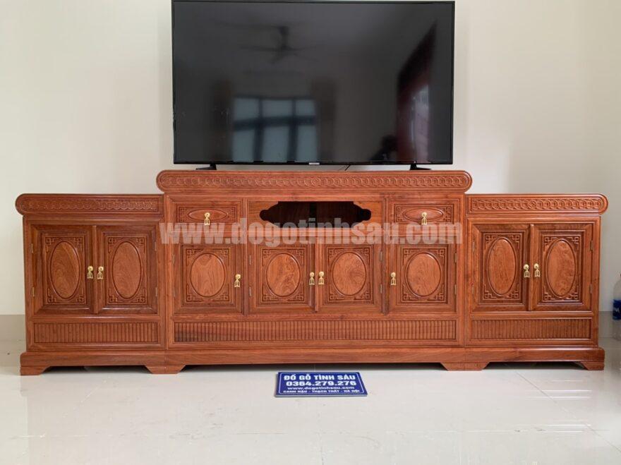 ke tivi mo loi go huong da dai 2m4x45x81 880x659 - Kệ tivi mõ lồi gỗ hương đá dài 2m4 (cánh trơn dày 1.5)