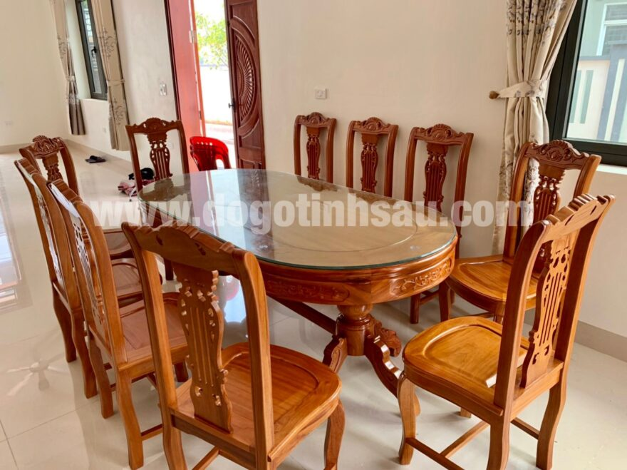 bo ban an go go do 10 ghe 880x659 - Bộ bàn ăn bầu dục 10 ghế hình cây đàn gỗ gõ đỏ (trụ 16)
