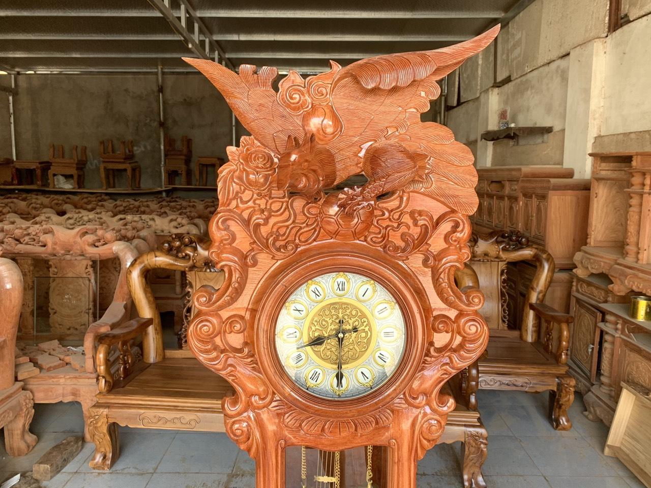dong ho cay dai bang - Đồng hồ cây gỗ hương đá mẫu Đại Bàng vờn cầu