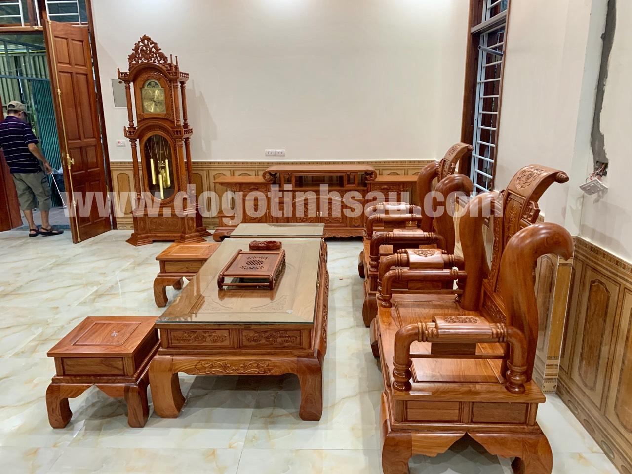 dong ho cay go huong da mau thap tu tru 5 - Đồng hồ cây gỗ hương đá mang lại sự thịnh vượng cho ngôi nhà của bạn