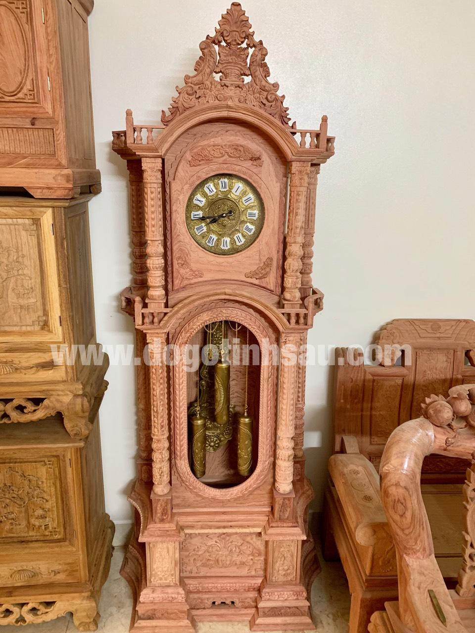 dong ho cay go huong da thap tu tru vat 1 - Đồng hồ cây gỗ hương đá mang lại sự thịnh vượng cho ngôi nhà của bạn