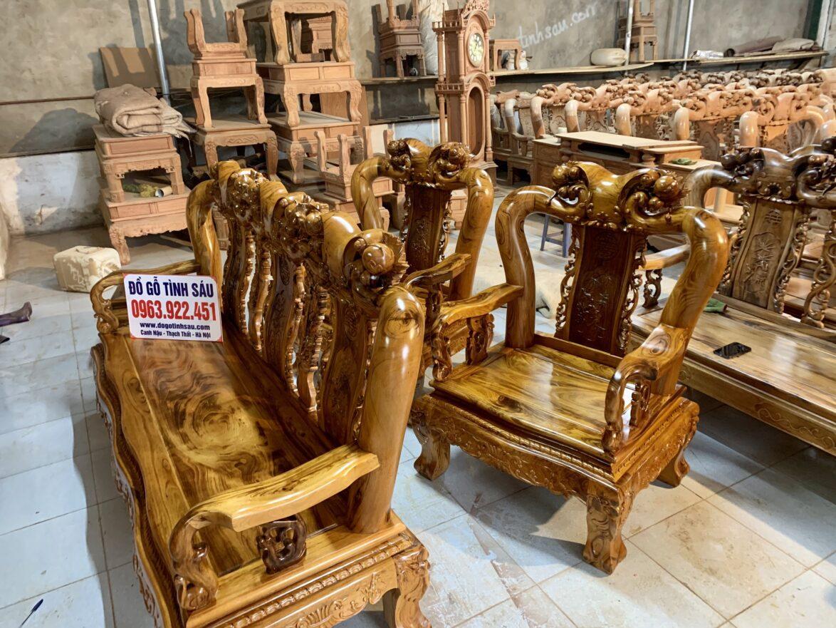 ghe gu ta 1174x881 - Bộ bàn ghế Minh Quốc đào cột 12 gỗ gụ ta Quảng Bình (vân cực đẹp)