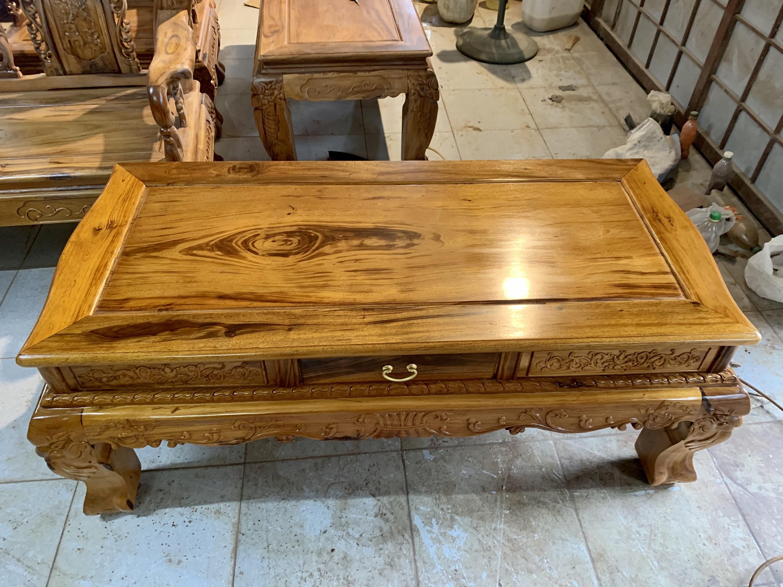 ghe gu ta 3 - Bộ bàn ghế Minh Quốc đào cột 12 gỗ gụ ta Quảng Bình (vân cực đẹp)