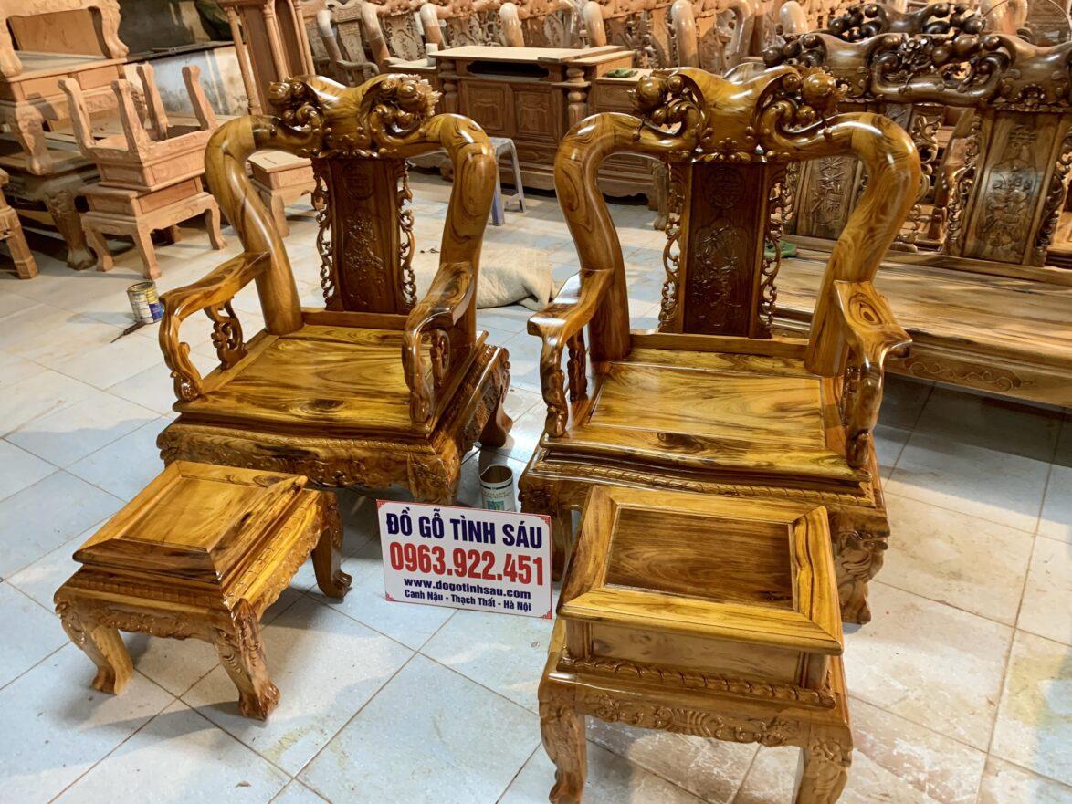 ghe gu ta2 1174x881 - Bộ bàn ghế Minh Quốc đào cột 12 gỗ gụ ta Quảng Bình (vân cực đẹp)