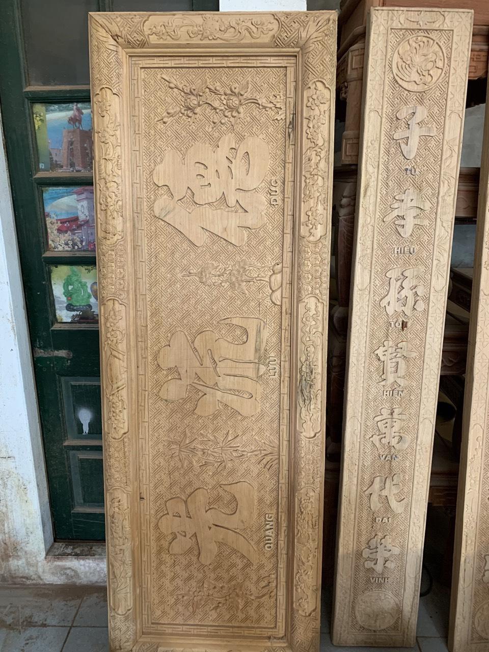 gia bo hoanh phi cau doi go gu - Vì sao nên chọn hoành phi câu đối gỗ gụ cho bàn thờ gia tiên?