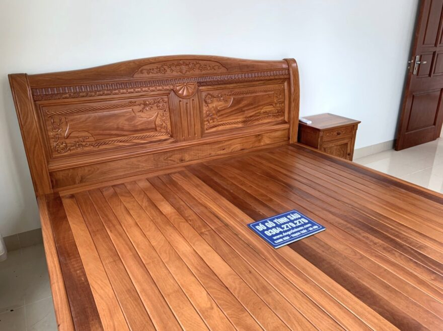 giuong chu x go go do nam phi 880x659 - Giường ngủ gỗ gõ đỏ mẫu chữ X kích thước 2m x 2m2
