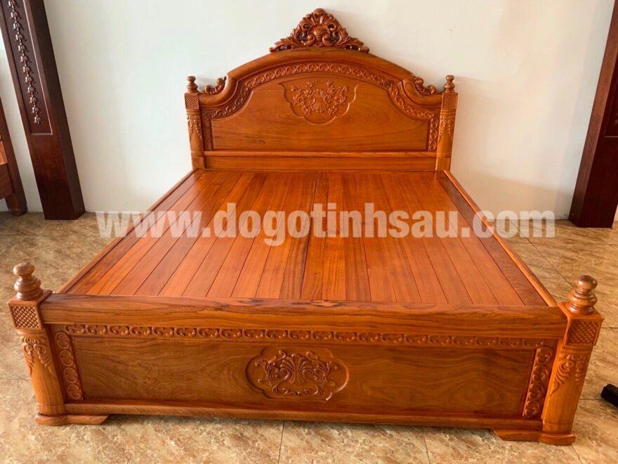 giuong ngu go go 880x660 - Giường ngủ Nữ Hoàng gỗ gõ đỏ kích thước 1m8x2m