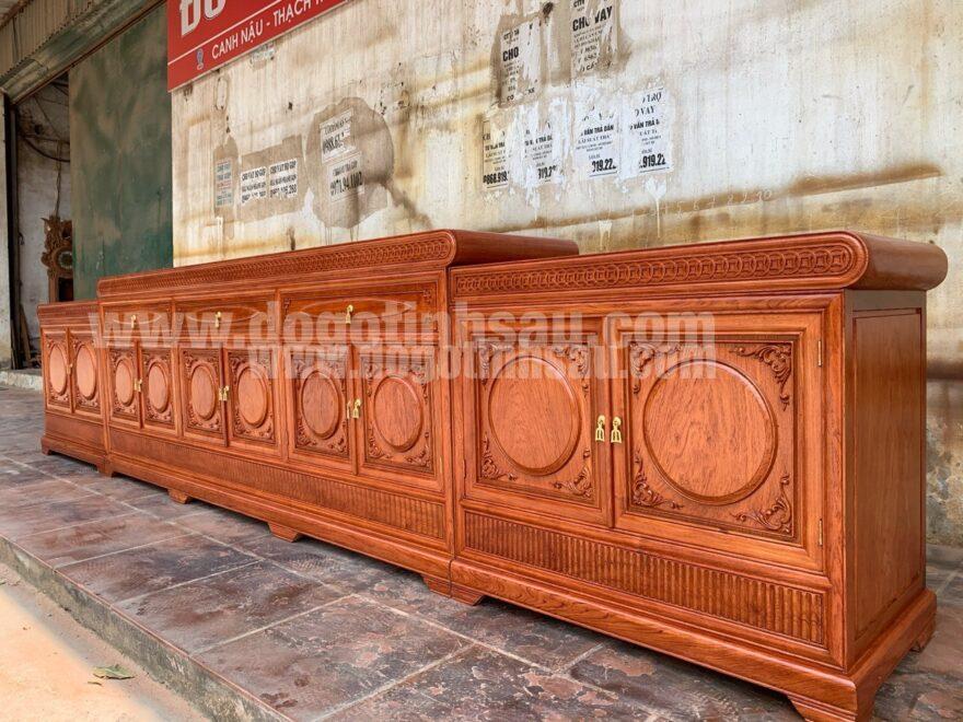 ke tivi mo loi 3m97 880x660 - Kệ tivi mõ lồi đồng tiền gỗ hương đá dài 3m97 (hàng VIP)