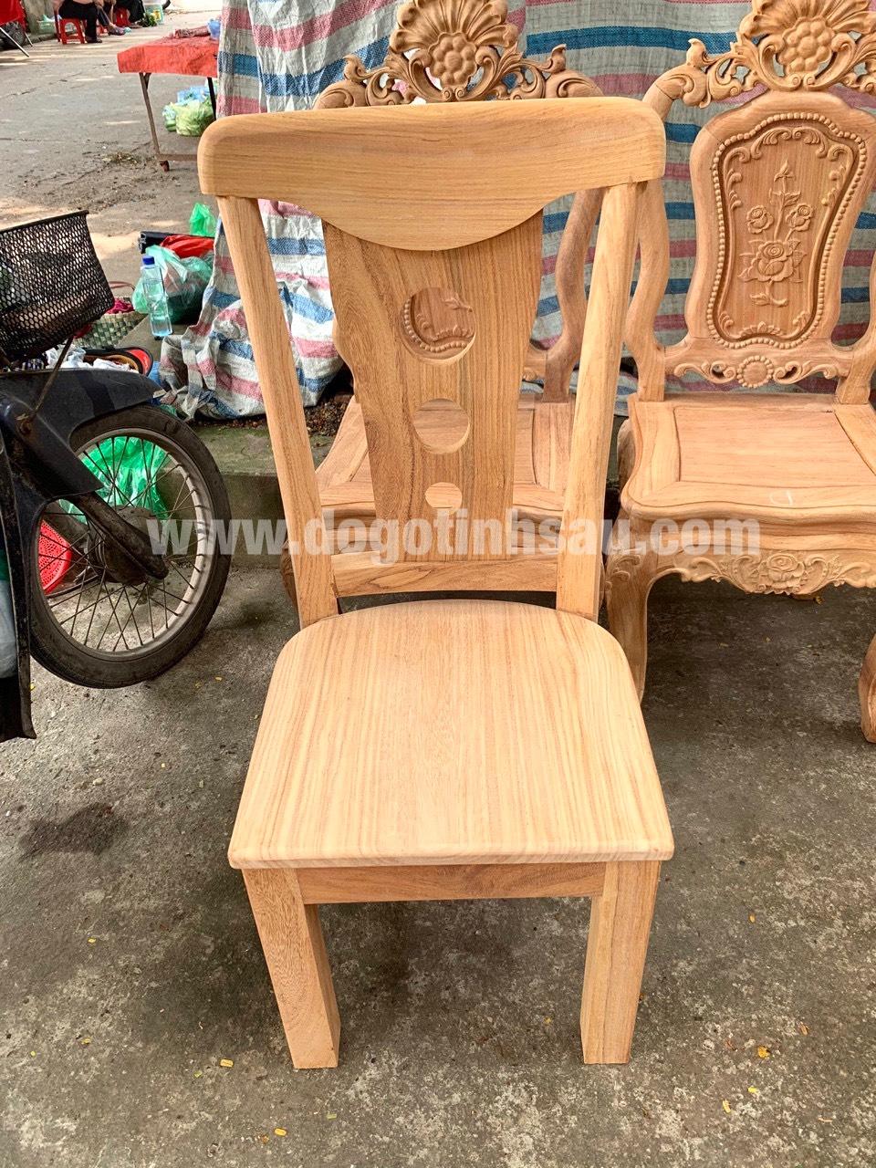 mau ghe an go go do 17 - 5 Lý do để mẫu bàn ghế ăn gỗ gõ đỏ ngày càng được ưa chuộng trên thị trường