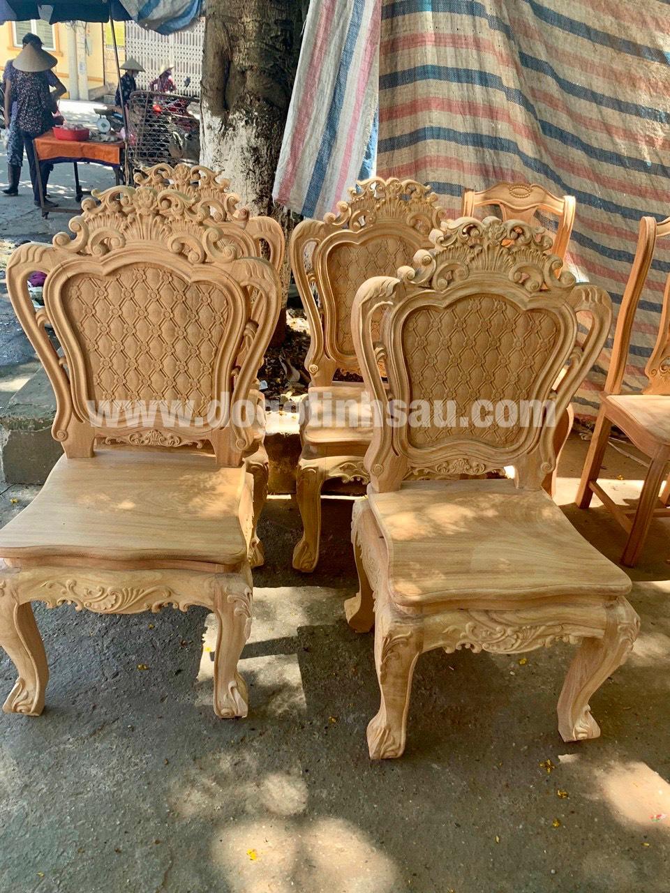 mau ghe an go go do 2 - 5 Lý do để mẫu bàn ghế ăn gỗ gõ đỏ ngày càng được ưa chuộng trên thị trường