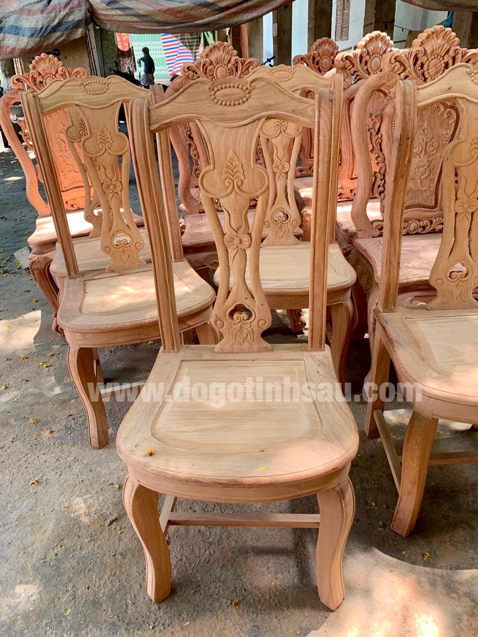 mau ghe an go go do 3 - 5 Lý do để mẫu bàn ghế ăn gỗ gõ đỏ ngày càng được ưa chuộng trên thị trường