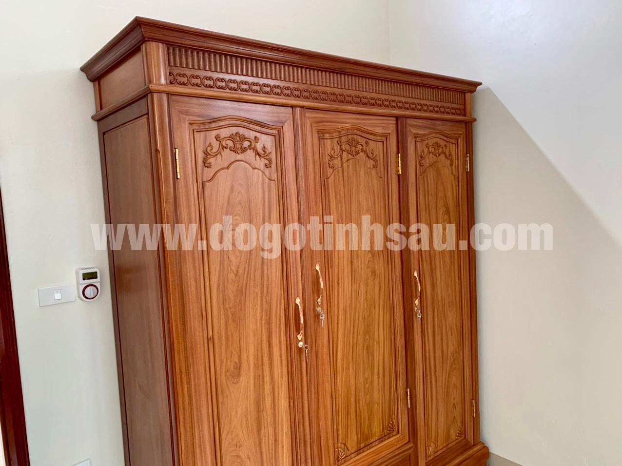 tu ao go 1 - Tủ áo 3 buồng gỗ gỗ đỏ (dạ trệt)