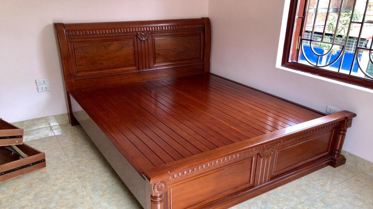 giuong ngu go gu - Kinh nghiệm chọn mua giường gỗ gụ đẹp chuẩn đến từng cm
