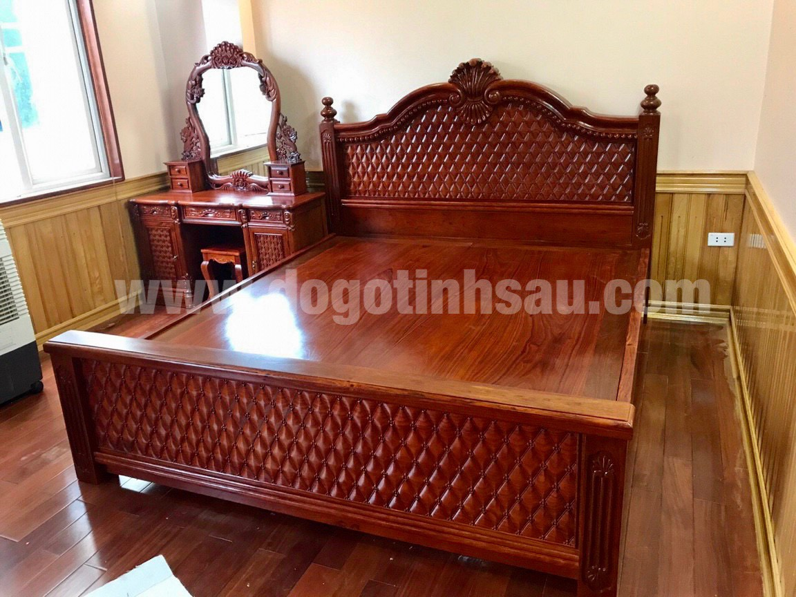 giuong ngu go huong da - Giường ngủ mẫu hoàng gia đục chám mai gỗ hương đá 1m8x2m