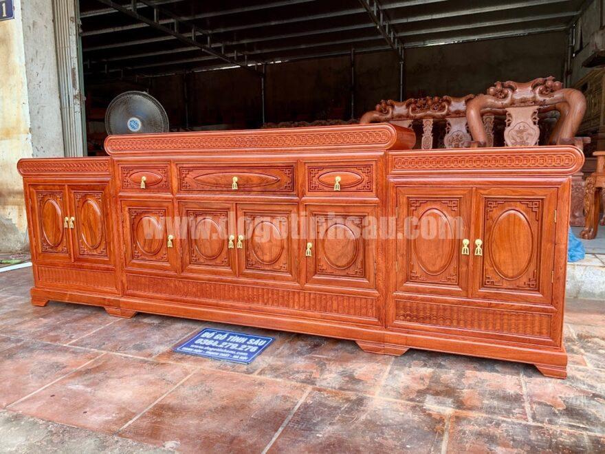ke tivi mo loi dong tien go huong da 880x660 - Kệ tivi mõ lồi đồng tiền gỗ hương đá 2m4 (3 ngăn kéo)